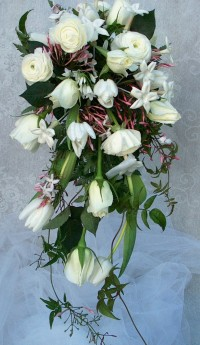 {Beautiful white bouquet for the bride}