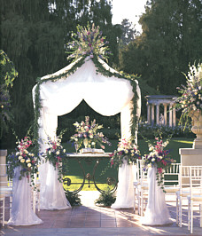 {Perfect for outdoor ceremony}